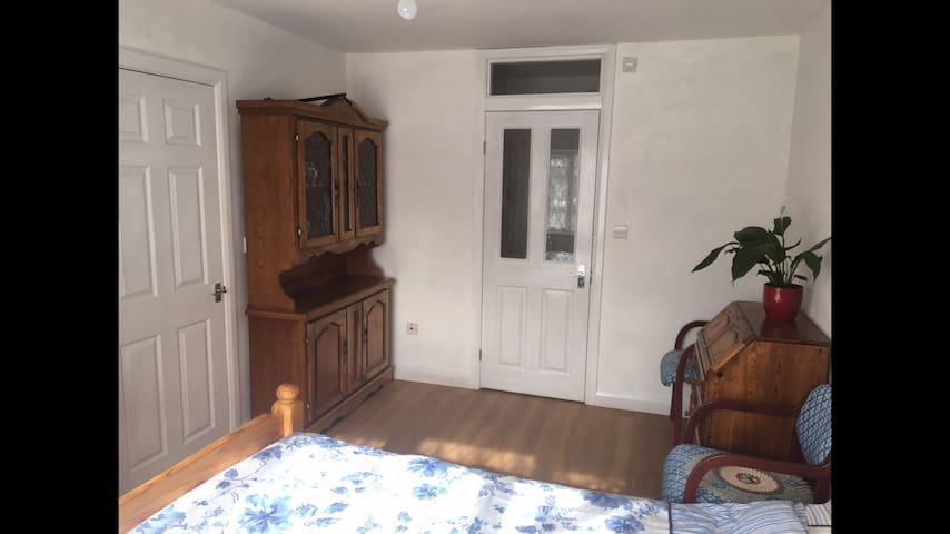 Double room private ensuite - Croydon - Hus