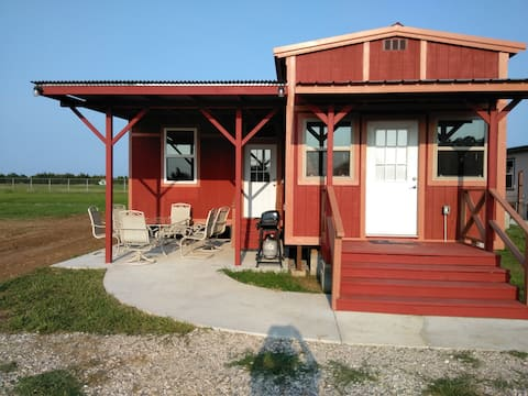 Red Cabin 2 Bdrm at RHR, Lake Texoma!