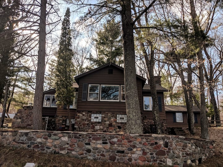 Rustic Private Oasis on Middle McKenzie Lake