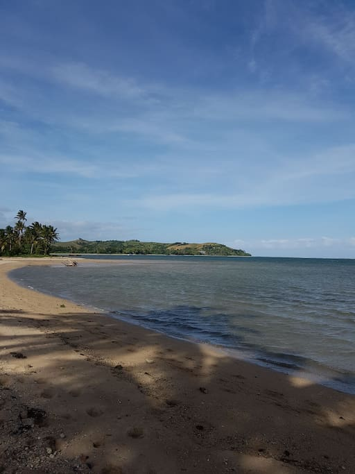 Beautiful front beachside. A minutes walk to the beach.