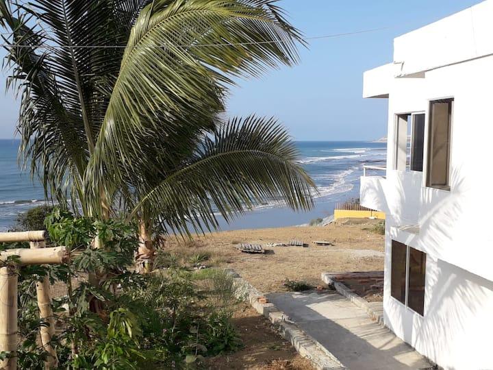 Santa Marianita-Manta Amplia suite a pasos del mar