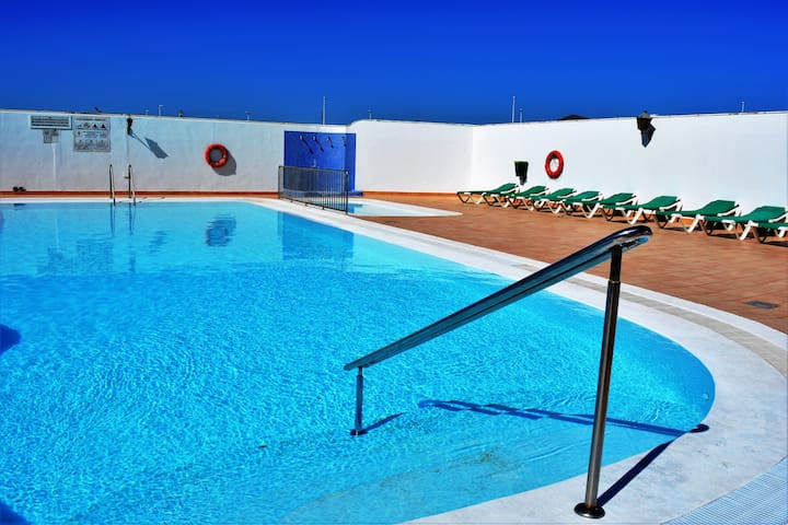 Puerto del Carmen big Share Pool Wifi Terrace 4!
