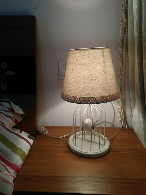 床头小鸟灯