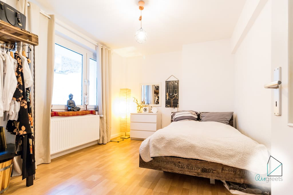 The cosy apartment welcomes you in Dusseldorf.