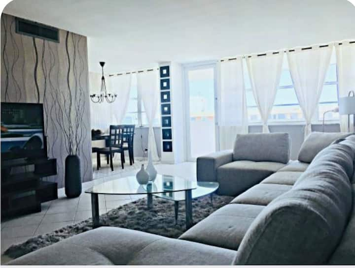 1bd 1.5th stunning high rise Sunny isles beach