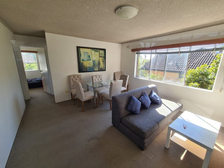 Single room/Couples Available in South Coogee
