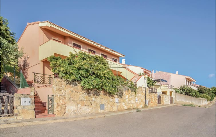 Holiday apartment with 1 bedroom on 32 m² in Funtana Meiga (OR)