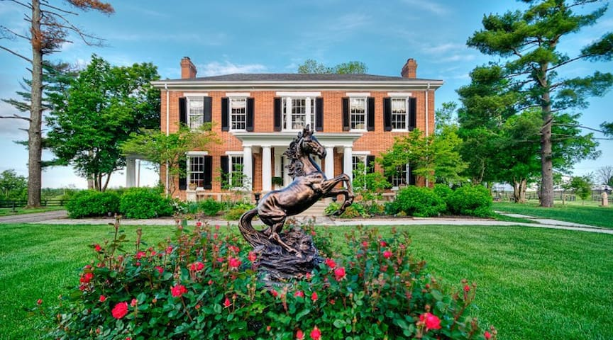 Ashley Inn--Elegant Historic B&B in the Bluegrass