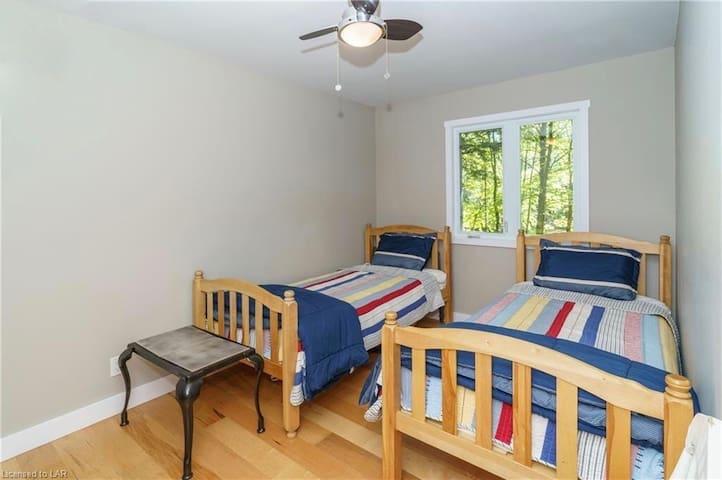 Main Bunkie Bedroom 2