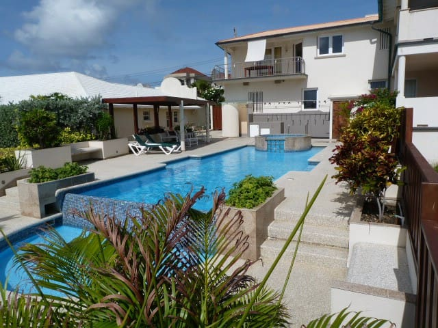 Modern flat with Pool at Windcastle-Barbados