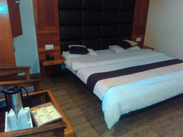 Hotel Kahkashan By Royal Collection Hotels