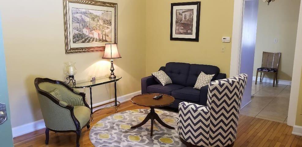 Glen Gables 1 Bedroom Apartment