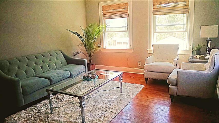 Charming Bungalow Apartment - Nashville - Hus