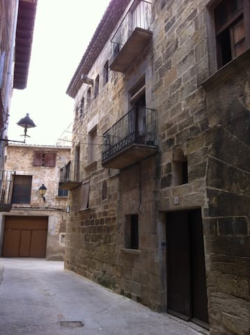 Ca Domenech - Cretas - Hus