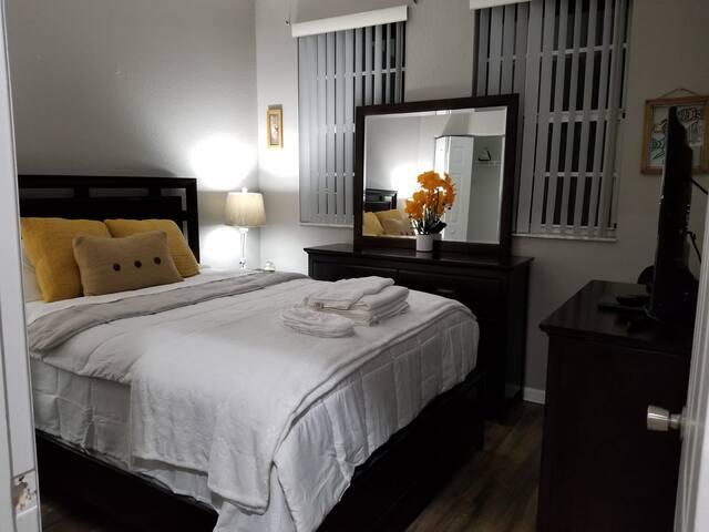 Bright & Cozy Private Room In South Florida