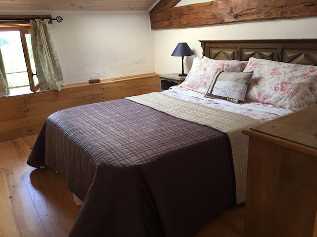 Double room in Family suite/Chambre double du suite familiale