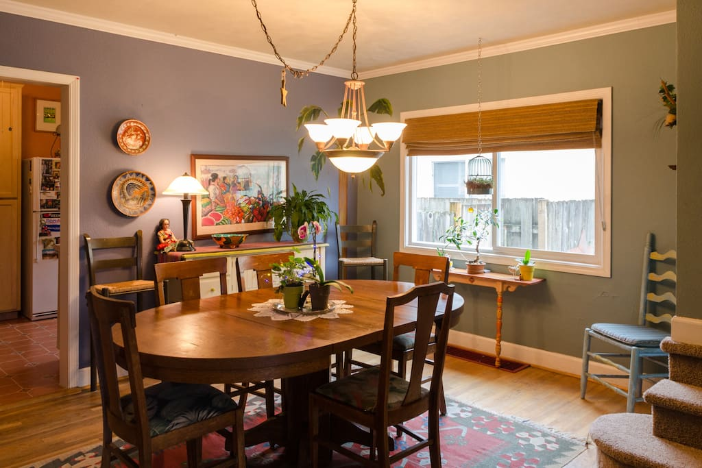 Warm cozy eclectic home maisons louer portland for Le canape maker