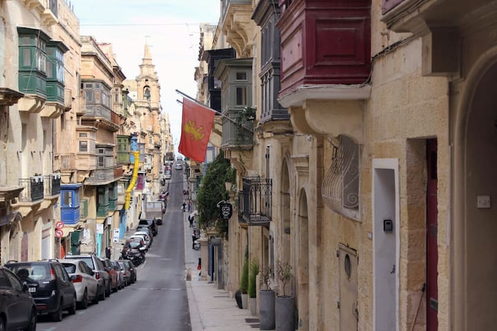 Central Valletta 1 Bed Character Home