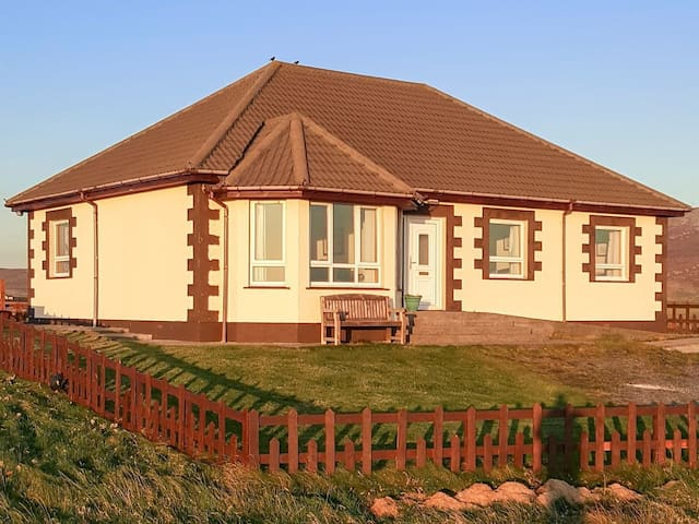 Ocean View Cottage (UK5652)