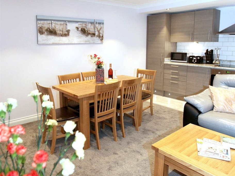 apartment 2, open plan kitchen diner