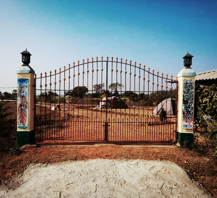 Belaseshe Farm- Off the grid with nature & culture