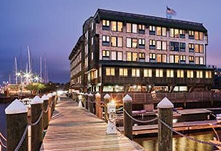 Wyndham Inn on Long Wharf Newport 1 Bedroom - Newport