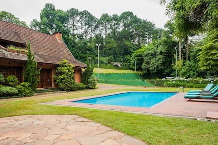 "Beautiful Country House in Granja Viana (20"" SP)"