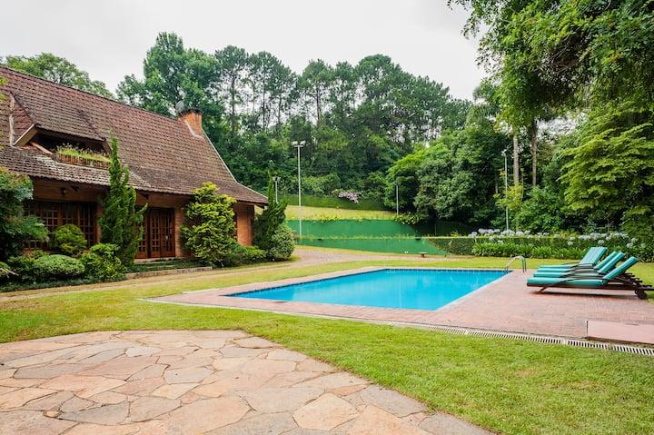 "Beautiful Country House in Granja Viana (20"" SP)"