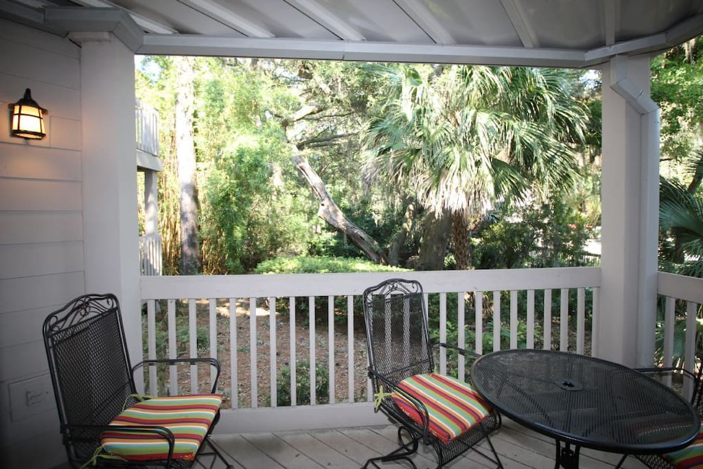 Chair,Furniture,Deck,Porch,Dog House
