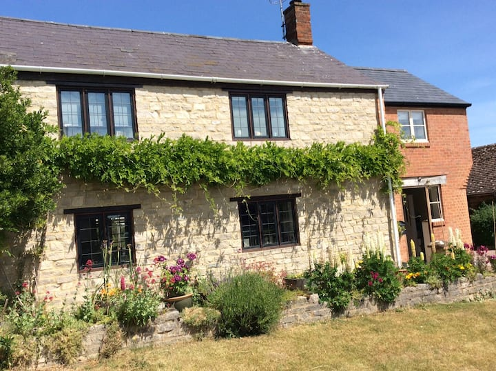 Beautifully presented English village cottage