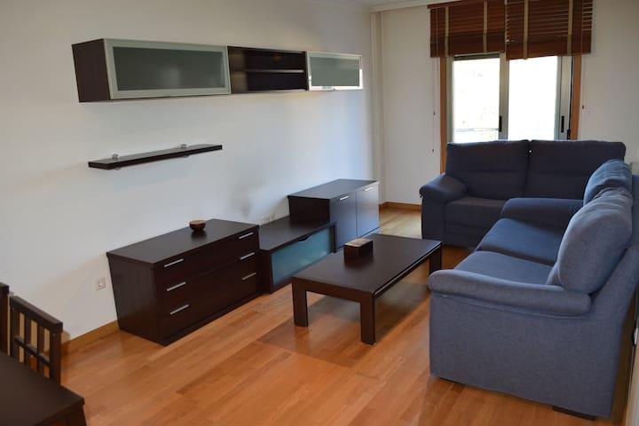 Piso 3 habitaciones balcón garaje - Boiro