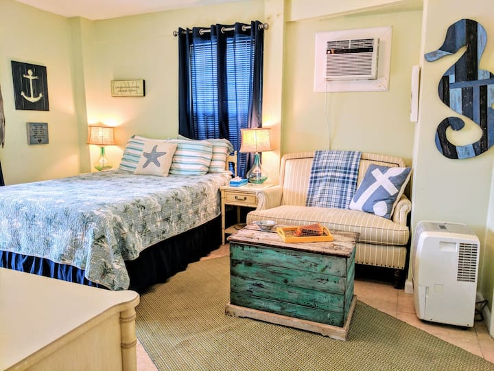 Charming waterside apt by the beach