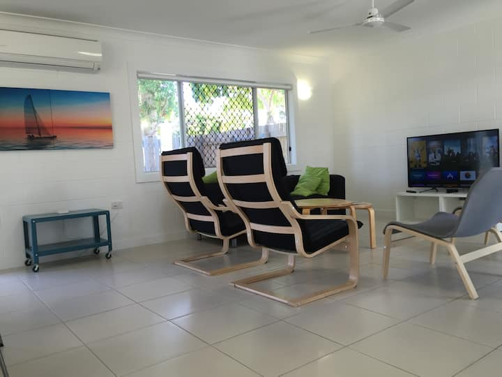 Spacious Home in Kirwan QLD 4817 AU