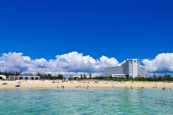 沖縄リゾート満喫ステイ☆[素泊り]ざんぱビーチまで徒歩約5分。オーシャンビューのリラックスツイン(禁煙)【3 pax】
