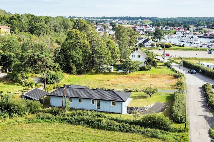 Spacious and idyllic seaview villa (12 persons) - Larvik - Ev