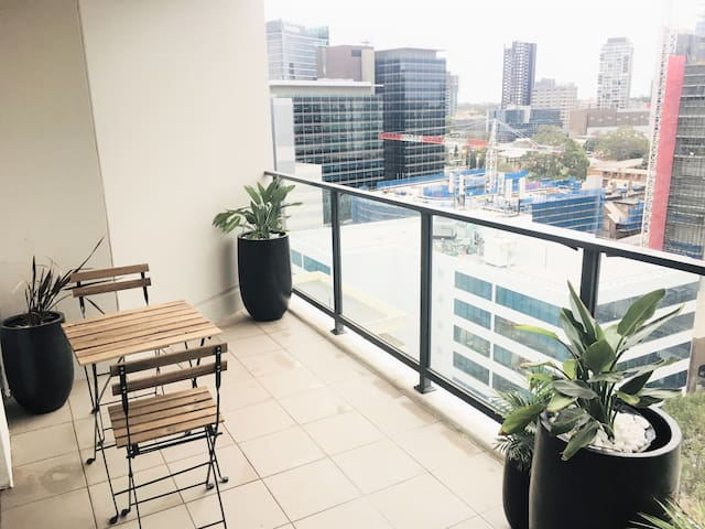 Large Modern Private Apartment + Secure Parking