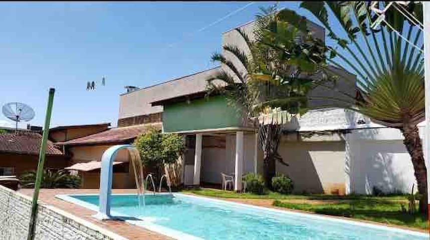 Quarto Casa Familiar  02 - FOZ DO IGUAÇU - CENTRAL