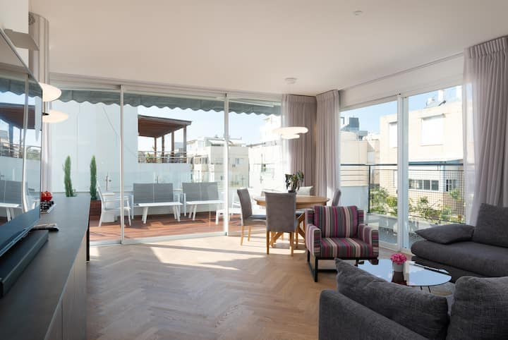 New decoreted 2 bedr. Penthouse with a sun terrace