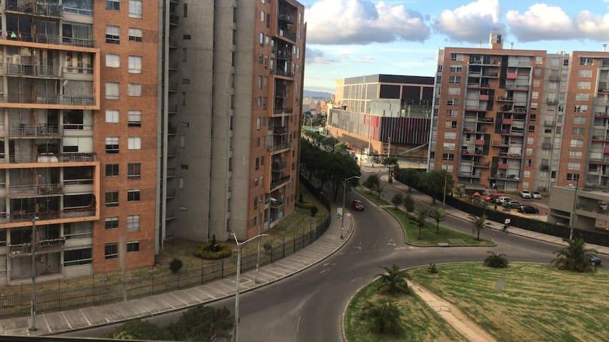 Hermoso. Agradable Apartamento cerca al Aeropuerto