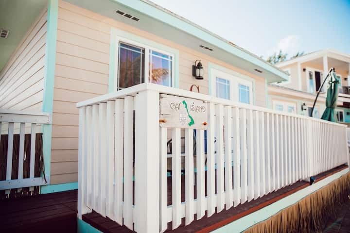 Firey & Cozy 1BR Villa in Staniel Cay