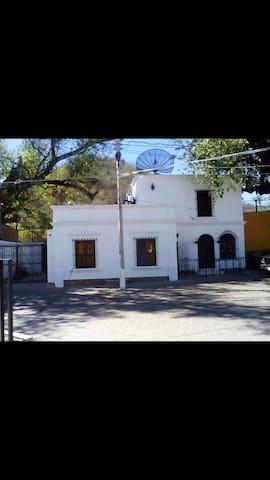 La Casa del Álamo