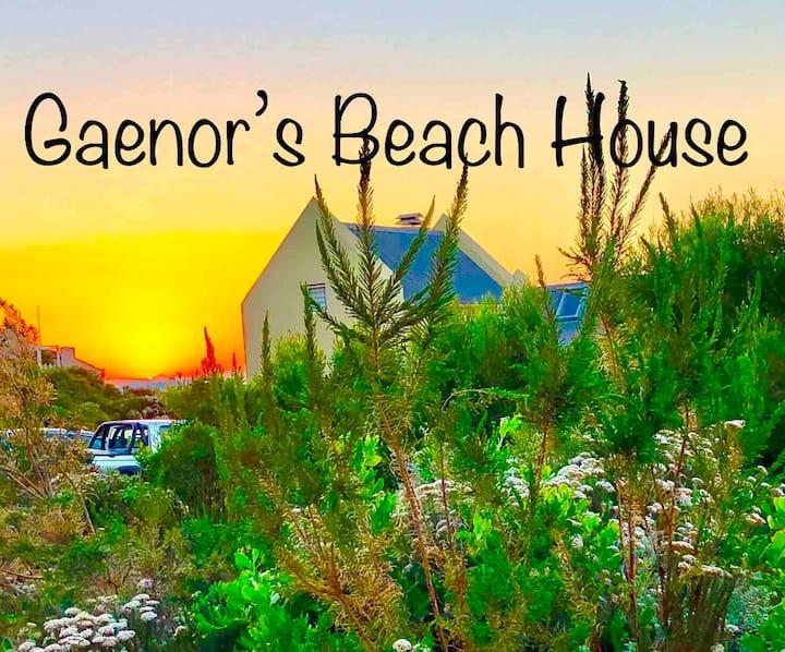 Gaenor's Beach House in Pringle Bay.