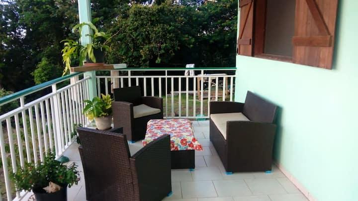 Haus mit 2 Schlafzimmern in Deshaies mit herrlichem Meerblick und Terrasse - 500 m vom Strand entfernt