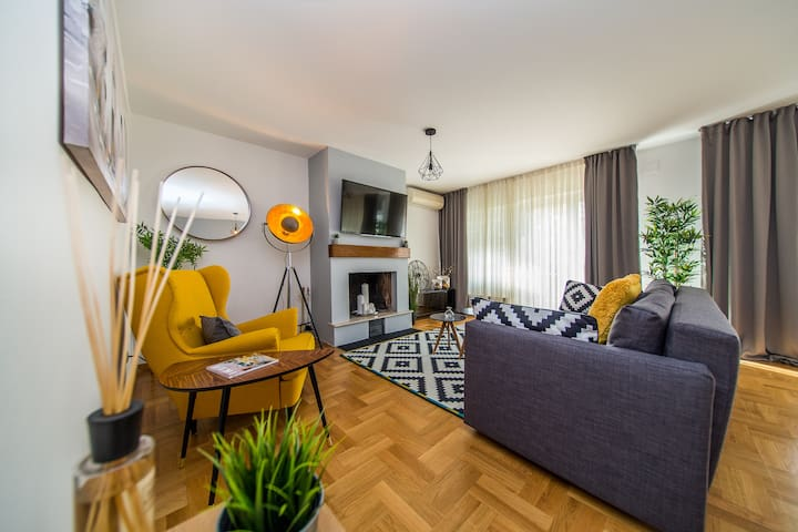 Houzzz21 Apartment Near Centre new & modern