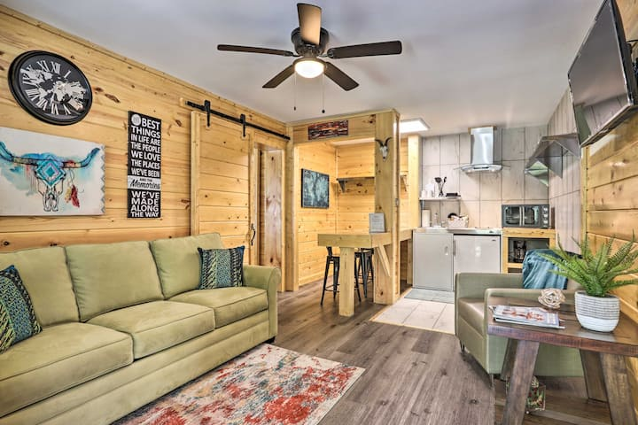 NEW! Charming Pigeon Forge Apt: 3 Mi to Dollywood!