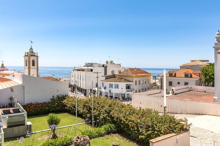 Well-Appointed Apartment in Old Town Albufeira