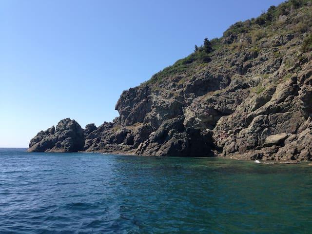 B&B  Quercianella , Livorno a 100 metri dal mare
