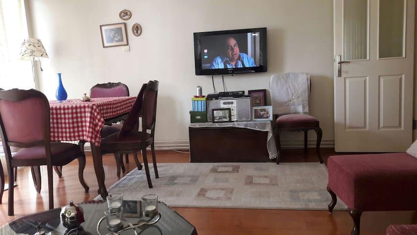 İzmir'de merkezi ve rahat konaklama - Karşıyaka - Apartment