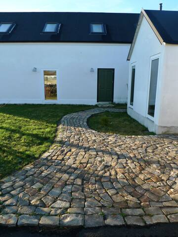 Brantevik, stone house towards open fields