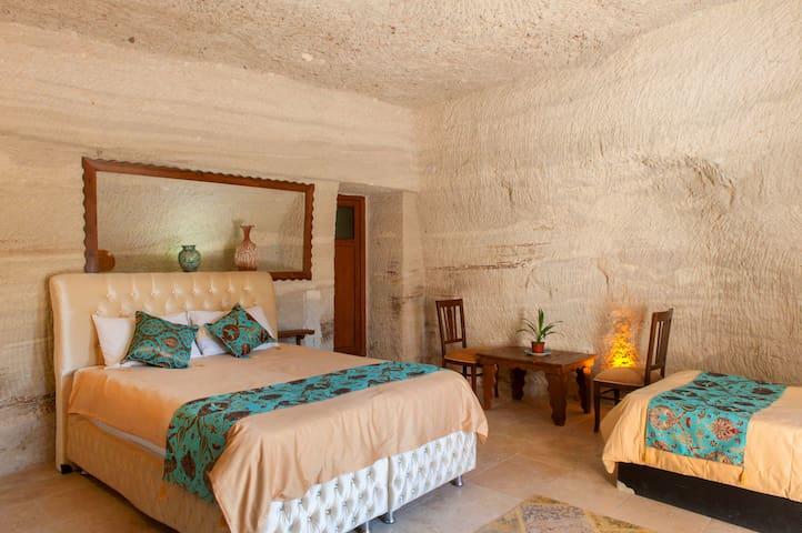 Garden Cave Hotel (Room 7)